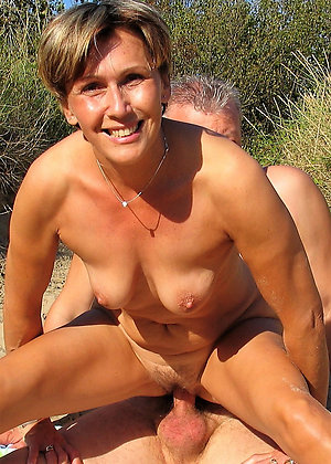 Uporn hot solo milf
