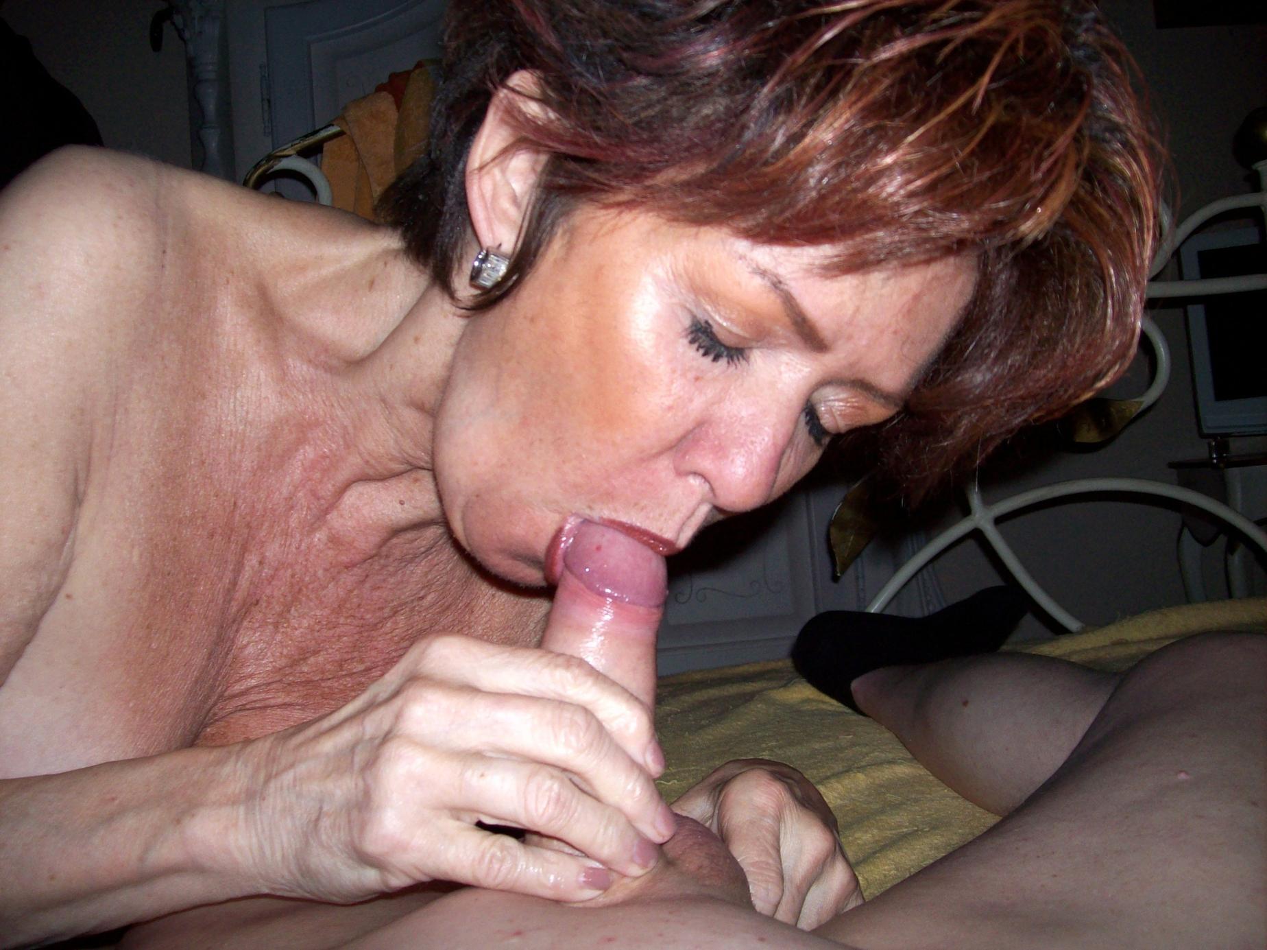 старые женщины сосут порно