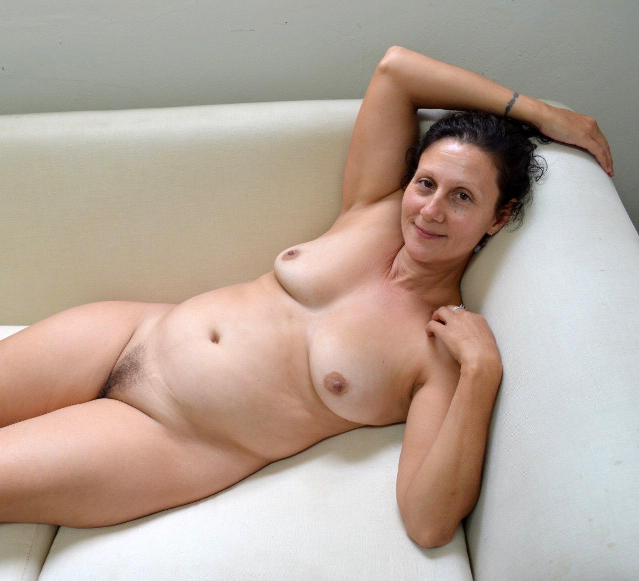 40 Nude Pics