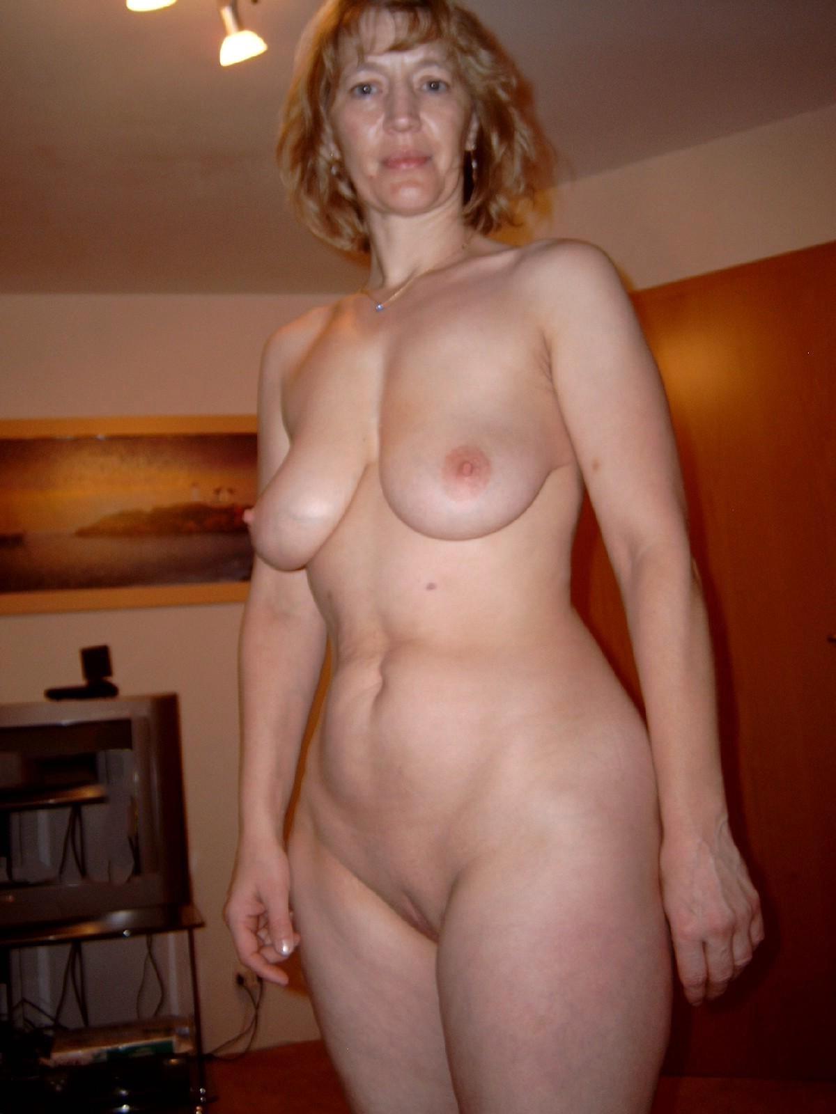 смотреть голых женщин зрелых